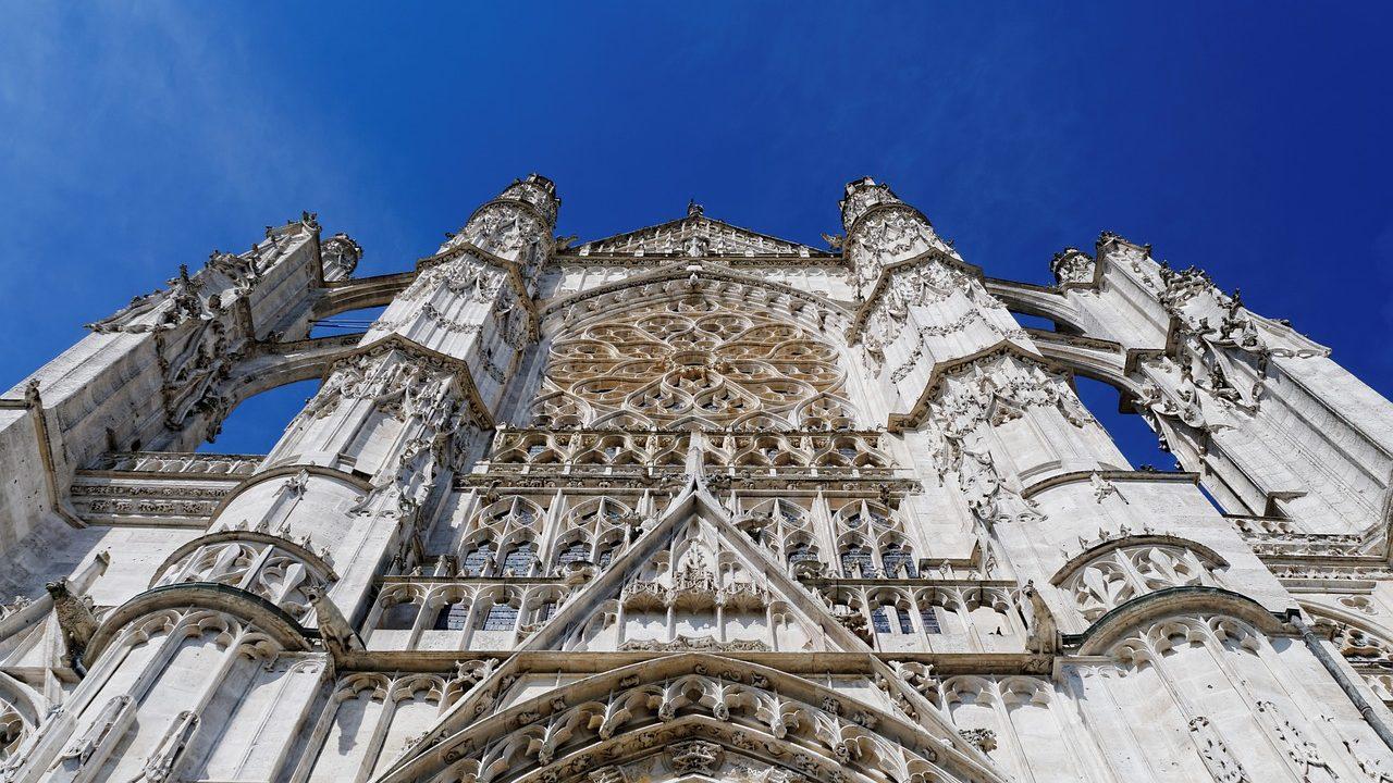 https://savoir-animal.fr/wp-content/uploads/cathedral-2356054_1280-1280x720.jpg