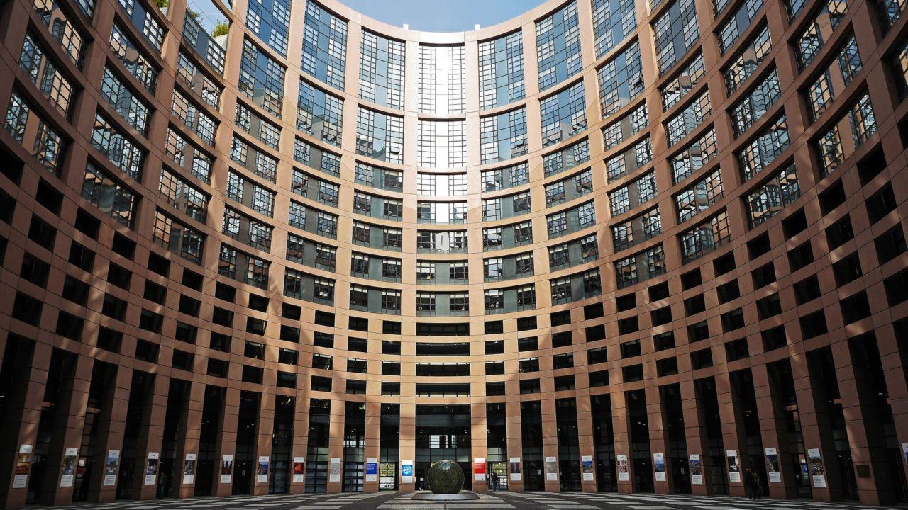 https://savoir-animal.fr/wp-content/uploads/european-parliament-1265254_1920-1280x720.jpg